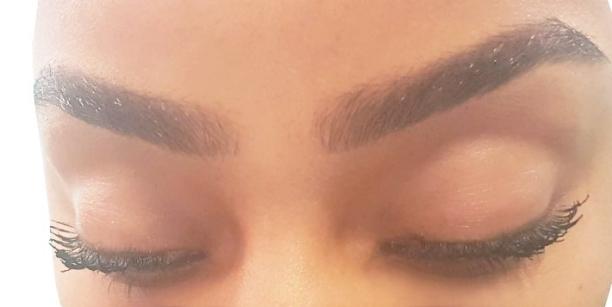 eyelashesuse2.jpg